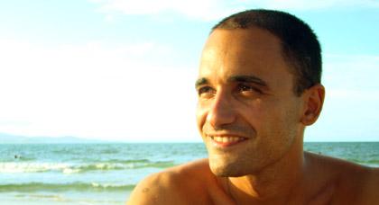 Os Cadernos de Yoga – uma entrevista com Tales Nunes