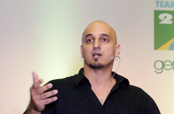 Andre de Rose – um buscador no Yoga