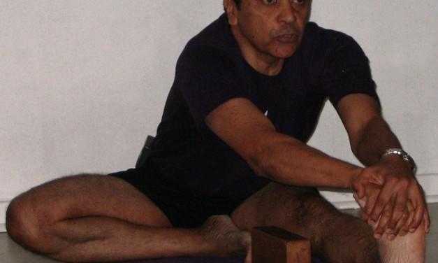 Yoga, dependência química e o trabalho do Padre Joe Pereira